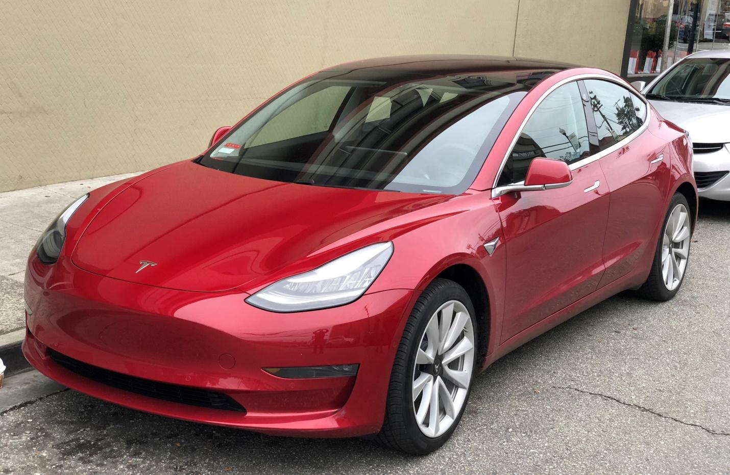 Беспилотная Tesla