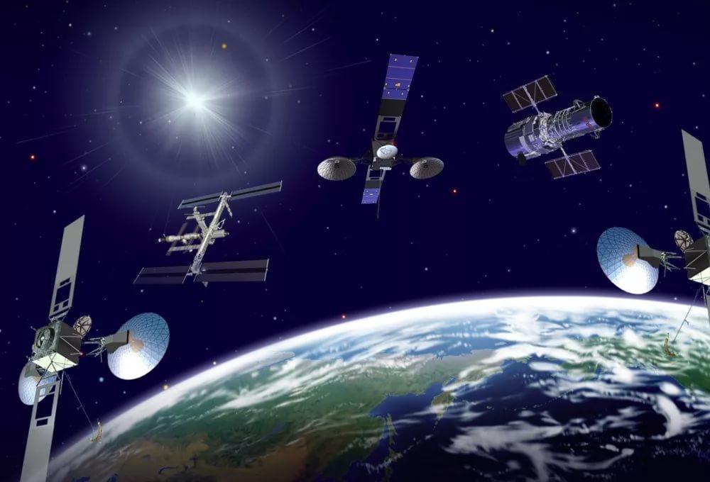 Спутники на орбите