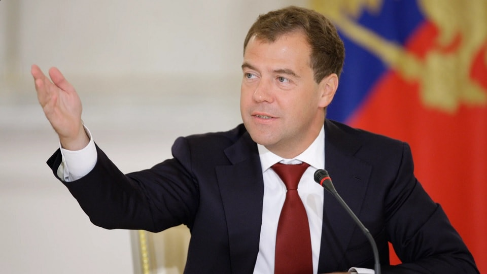 Медведев у микрофона
