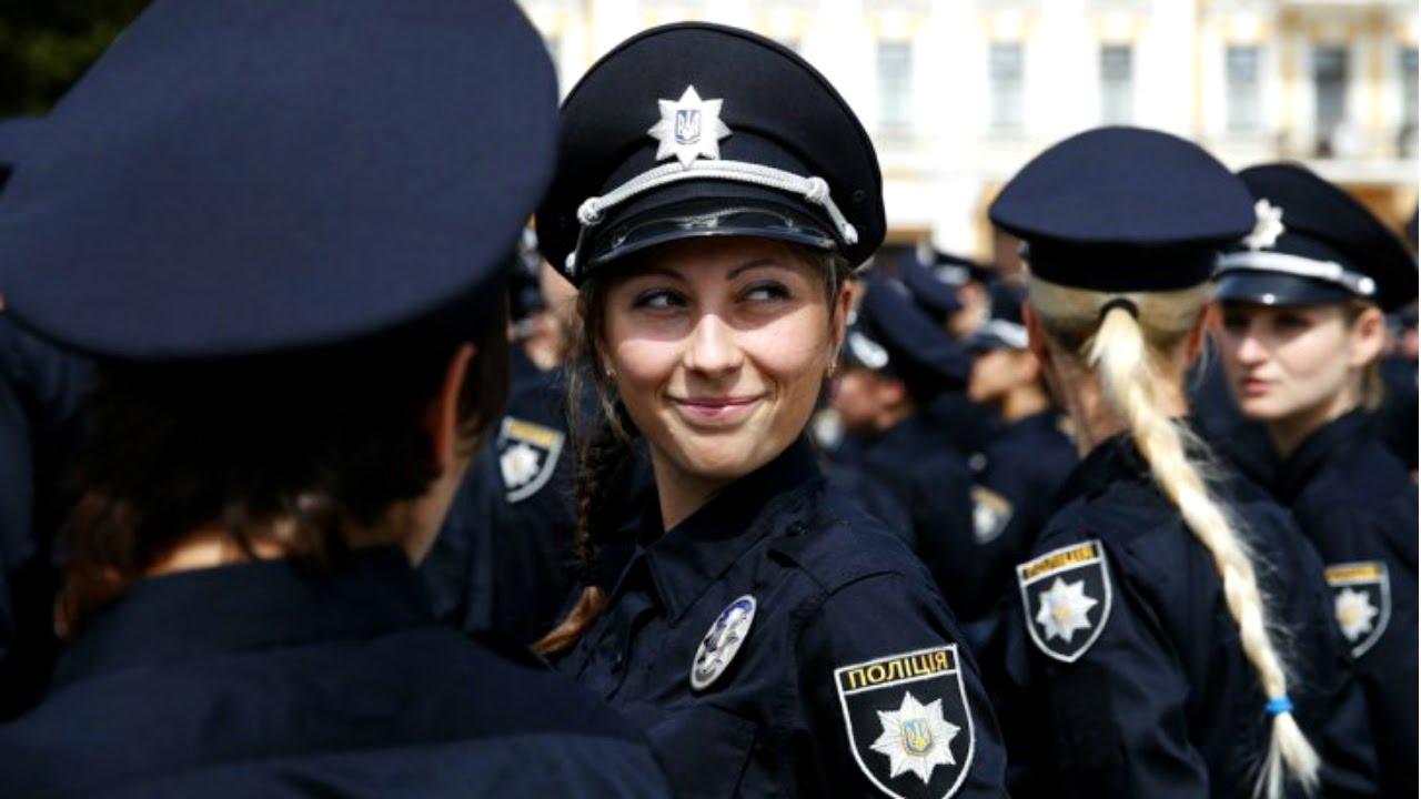 Картинки по запросу украина девушка полиции