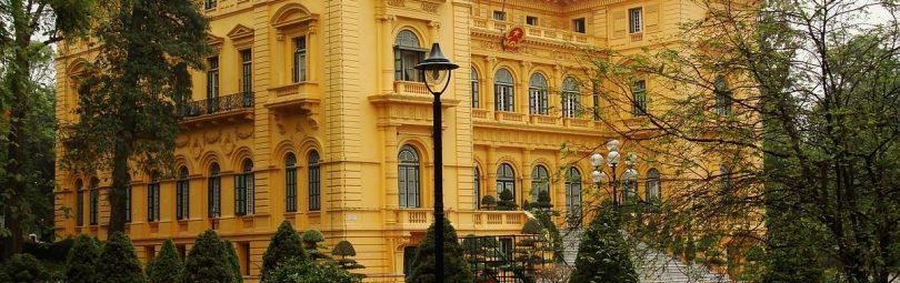 Впервые увидев резиденцию президента Вьетнама, можно подумать, что она находится в Европе.