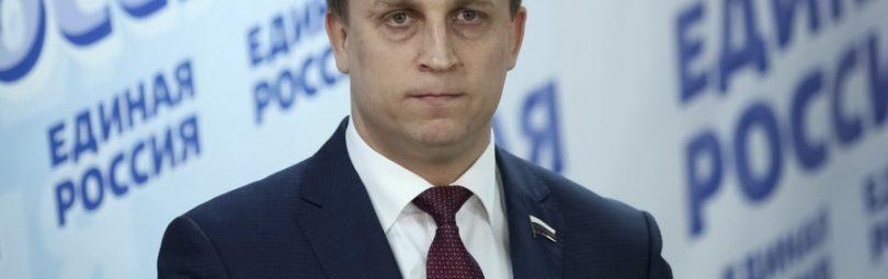 Депутат Вострецов