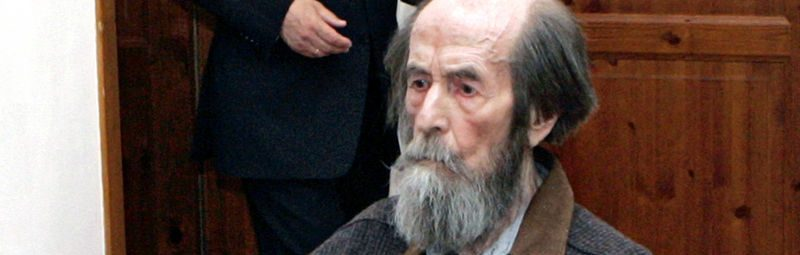 ** FILE ** Russia's President Vladimir Putin, background, visits Russian writer and Nobel laureate Alexander Solzhenitsyn, in his house in Troitse-Lykovo on the outskirts of Moscow, in this June 12, 2007 file photo. Solzhenitsyn will celebrate his 89th birthday Tuesday.  (AP Photo/RIA Novosti, Presidential Press Service, Mikhail Klimentyev)